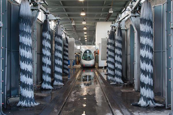 Maintenance machine nettoyage tramway